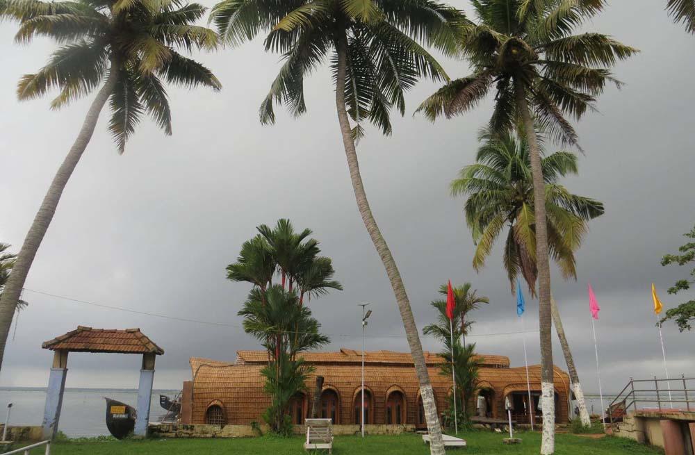 Paradise Resort 2